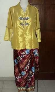 One set kebaya & kain lilit