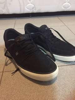 Jual sepatu DC limited