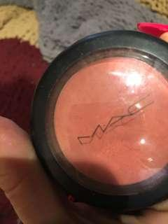 Mac blush peaches