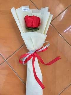 Buket Mawar Single / Buket Bunga Satin