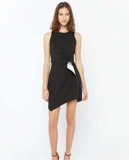 Osmose Haylyn Frontal Flap Dress in XS