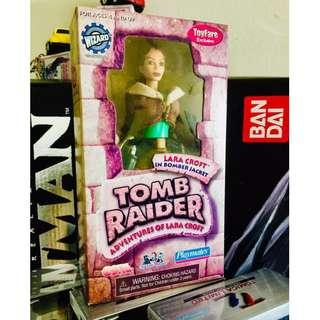 PLAYMATES TOMB RAIDER - LARA CROFT C/W BOMBER JACKET - TOYFARE 2000 EXCLUSIVE - RARE