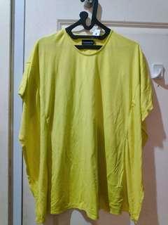 Batwing t-shirt yellow neon