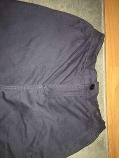 深藍色七分褲