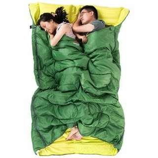 NatureHike 2-Person Sleeping Bag with Pillow - GREEN