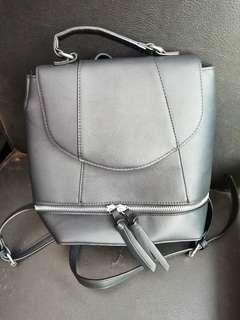 Black medium ransel Stradivarius