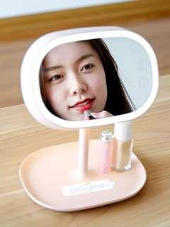 Makeup Light With Soft Lighting Perfect for Selfie