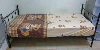 🚚 Single bed frames n mattresses for sale