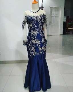 Gaun kebaya biru navy