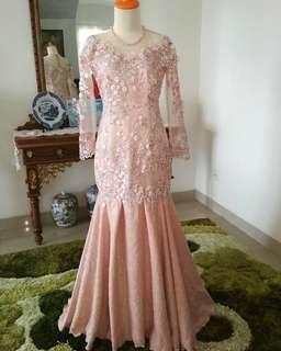 Gaun kebaya pink salem
