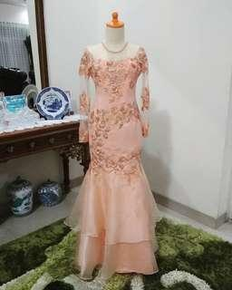 Gaun kebaya pink peach