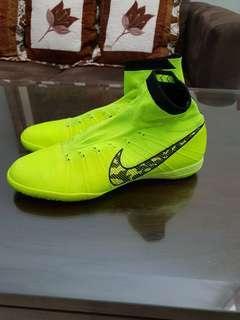 Nike Elastico Superfly Futsal size 44 eu (neon green)
