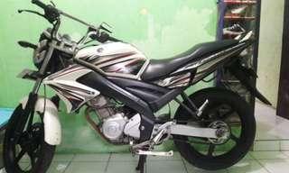 Motor Yamaha Vixion 2012 warna putih