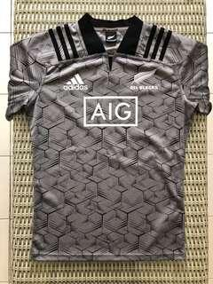 Adidas💯% Authentic New Zealand All Blacks rugby training jersey for SGD$55 (size M)