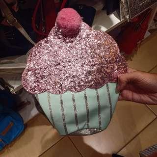 Sling bag cake