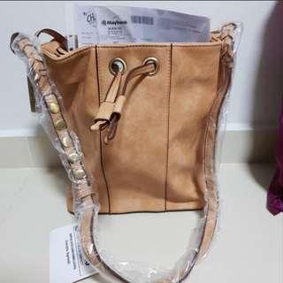 Mizzue Bucket Bag