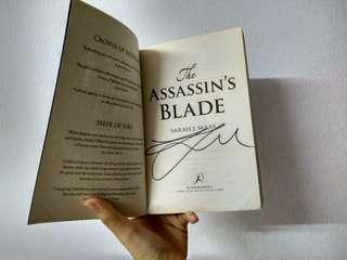 **SIGNED*** ASSASSIN'S BLADE.