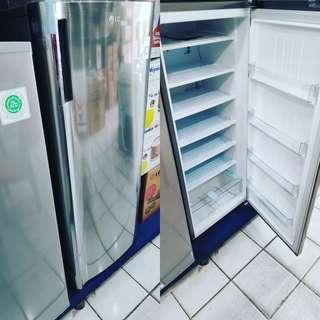 Freezer untuk es batu bunga 0 persen