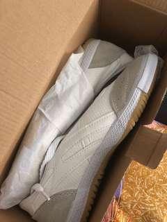 White school shoes BN