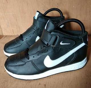 Nike Airforce one Replika size 38 (BISA DIPAKAI COWO/CEWE)- TIDAK BARTER - NEGO DIKIT