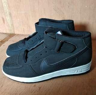 Nike Airforce one Replika size 37 (BISA DIPAKAI COWO/CEWE)- TIDAK BARTER - NEGO DIKIT