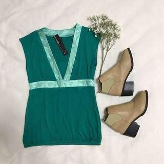 *BNWT* Fashion.LAB (M) Teal Turquoise Satin Outline TOP