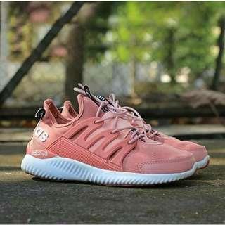 Adidas Women size 39 - TIDAK BARTER - TIDAK NEGO