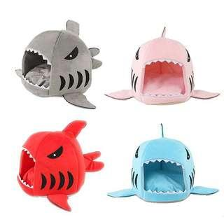 [PO]Shark kennel for pets.