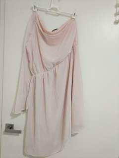 One shoulder light pink dress
