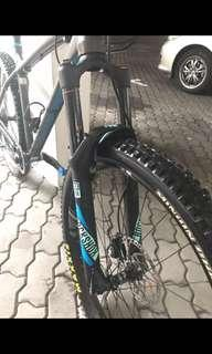Rockshox pike RCT3 with MRP ramp control cartridge and skf seals