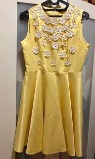 Yellow dress beli di sogo