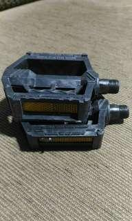 Bicycle Pedals L & R