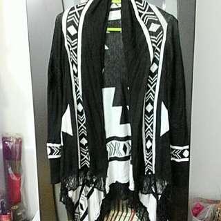 黑白針織流蘇披風外套