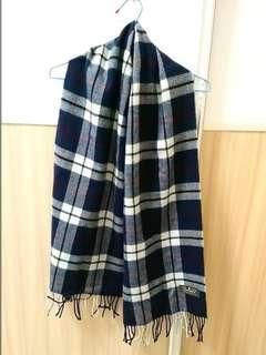 🚚 深藍氣質格子圍巾