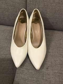 Stradivarius white and silver pumps