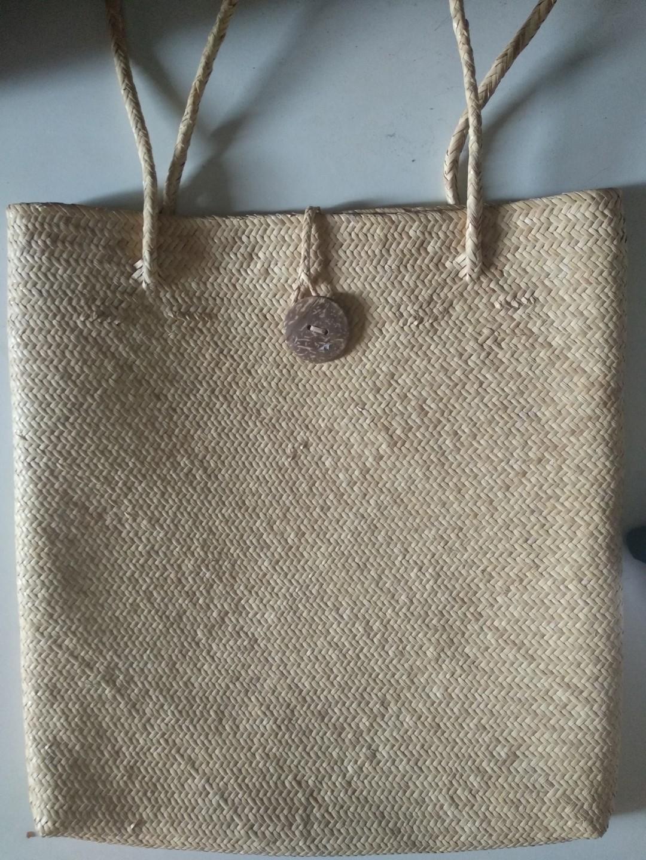 Anyaman Tote bag