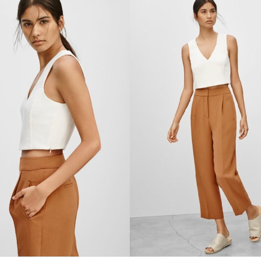 Aritzia Wilfred Dauphine V-Neck Sleeveless Cropped Top Tank in White XS