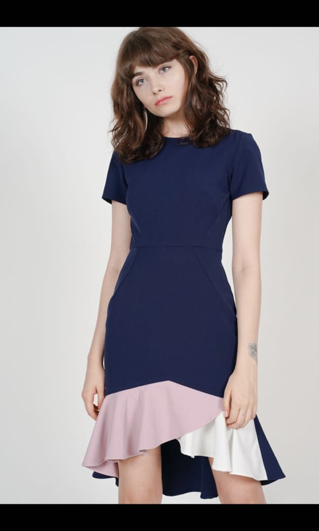 13fec74ae20d MDS Color-Block Mermaid Dress in Navy XS, Women's Fashion, Clothes, Dresses  & Skirts on Carousell