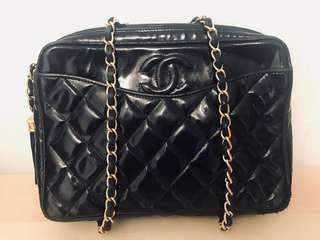 減價 Vintage Chanel黑色菱格漆皮流蘇camera bag