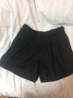 🚚 Black Ribbon Shorts