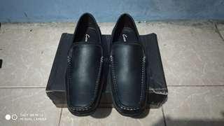 Sepatu Casual Carvil