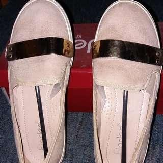 Preloved Fladeo Flat shoes
