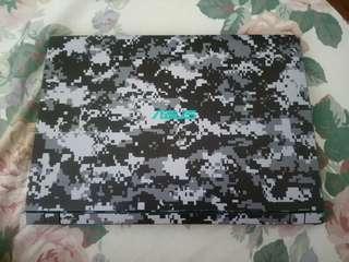 Skinned Asus X560U (gaming laptop)