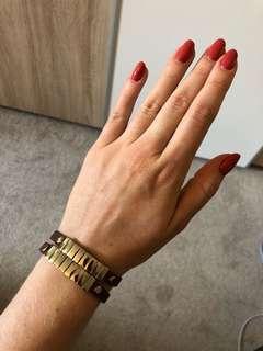 2 leather bracelets