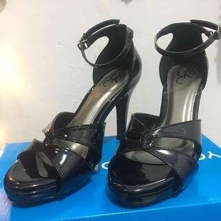 Sepatu heels hitam yongki komaladi uk 38