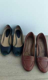Black Bonia and a brown Clarks heels EU39