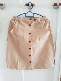 Khaki buttoned down skirt