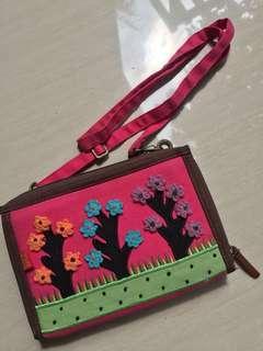 Dompet/tas kecil untuk perempuan