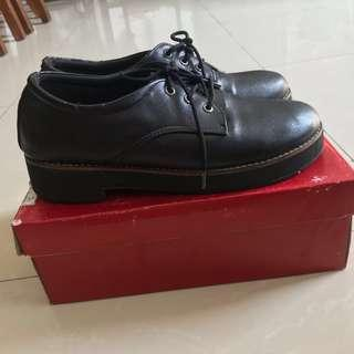 Gizhoes Oxford Plain Black Docmart Handmade Shoes