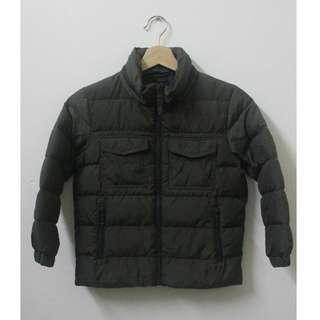 UNIQLO Winter Hoodie Jacket size 120 for KIDS.